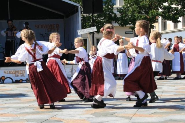 2011_barnlek_tanska