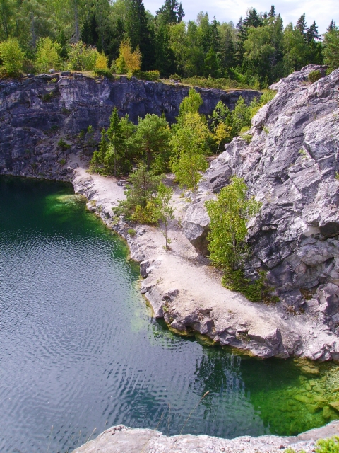 Ahvensaaren kalkkikaivos (Åvensor kalkgruvan)
