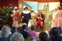 Commedia dell'arte -ryhmä yllätti yleisön.