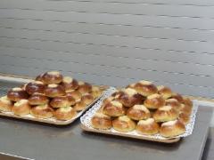 Eero Rantala leipoi pullat ja kakut.