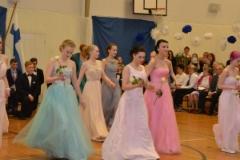 Hempeät pastellit olivat tanssipuvuissa suosittuja.(Kuva.Janette Loisko)