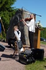 Sampakosken juhlaa. Ville ja Emma Vehkalahti. Kuva: Heta Tuomisto
