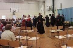 Lavian purpuriryhmä esiintymässä. Kuva: Anna-Liisa Huhtala