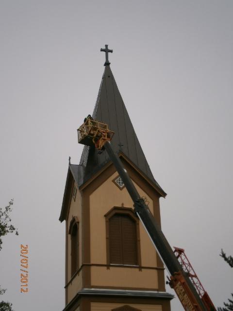 Kirkon katon maalaus 2