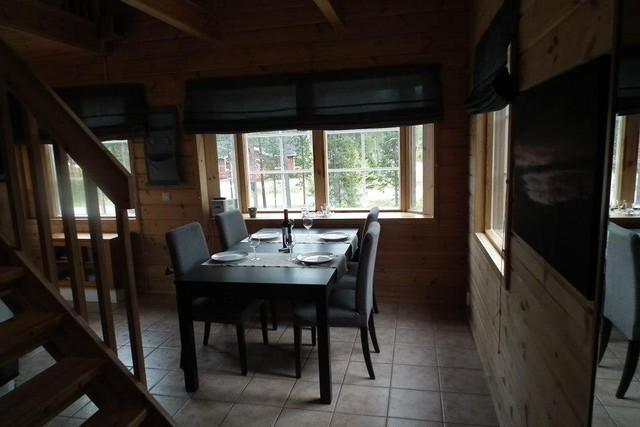 Näkymä ovelta / scenery from the door