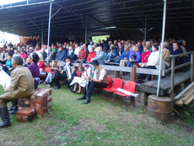 Särkelä itse yleisöä 2009 Laajoki