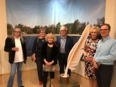 Kirjurin sulkakynä mustepullossa -näyttely 14.5.2018