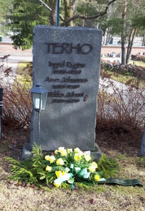 Terho_Pekka_439x640.jpg