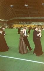 Vanhojen tanssit suurhallissa
