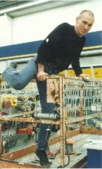 Jyrki keikalla rautakaupassa Kokkolassa 1998