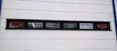 Yrityksen myymälän ikkunateippaukset