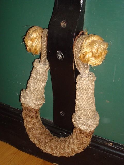 Sea chest becket