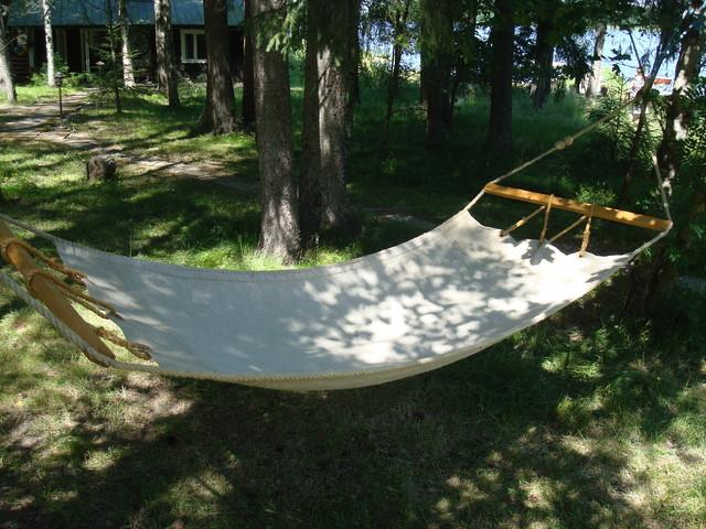 Old style hammock used onboard the sailing ships, Perinteinen purjelaivoissa käytetty riippumatto