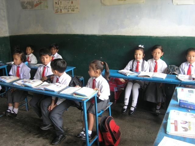 Koulussa / at school Katmandu, 2005