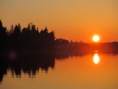Keskiyön aurinko Oulujoella