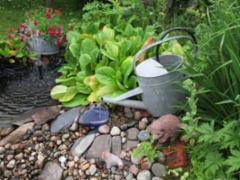 Suihkulähde puutarhassa