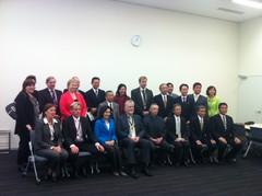 Valtuuskunnan kuva Japanin Suomi-ystävyysryhmän tapaamisesta