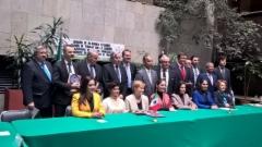 Talousvaliokunta Meksikon senaatissa 9.3.2016