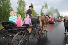 heinakuu2010karnevaalikulkue_hevosajopalvelut