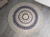 valkoharmaa virkattu matto 001