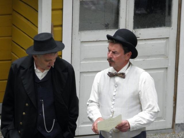 Hannu Leino ja Markku Marjomaa rooleissaan. Kuva Mia Pätsi