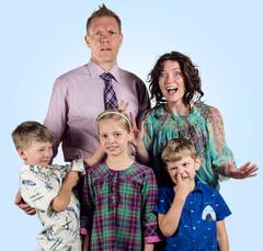 Tinskin perhe: Tinski, Aava, Juha, Sini ja Topi