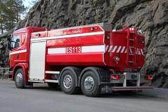 ES113 takaa
