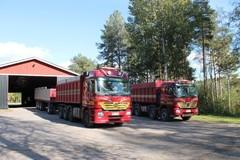 Autot valmiina sokerijuurikkaan ajoon 24.09.2014