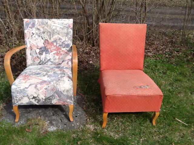 K-tuolit KJ ennen verhoilua, punainen kangas on alkuperäinen
