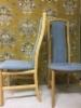 Ruokapöydän tuolien verhoilu Alcantara Avant kankaalla