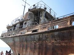 laiva baikalin rannassa