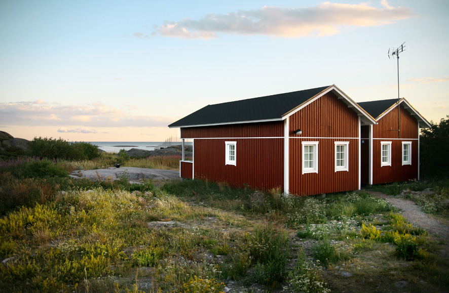 finnish_archipelago_cottage_to_let.jpg