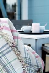 Aurinkoisina kevätpäivinä kahvit voi nauttia ulkoterassilla.