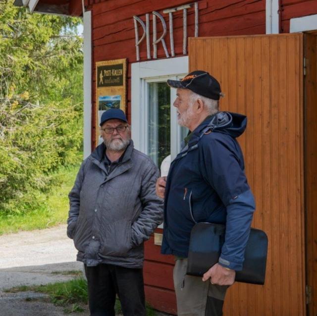 Puutarhuri Ari Partanen ja Matti Kemppainen