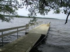 Rullava-laituri Lohjan järvessä