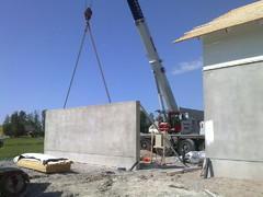Autotallin betoniseinät 2009, Rak.tsto Jussi Korpi