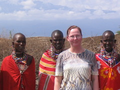 Masai-naisten parissa