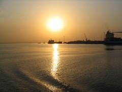 Gambian aurinko laskee