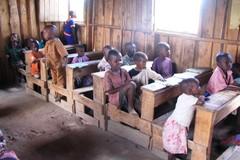 B96 Lapset koulussa