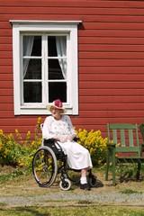 A2 Mummo pyörätuolissa