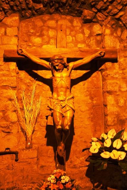 A13 Kristus ristillä