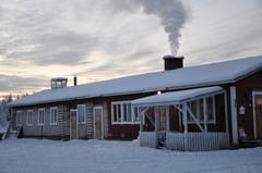 Talli, kanala ja työhuone talviasussa