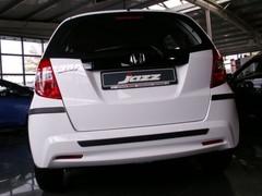 Puskurien suojalistat, Honda Jazz 2011_1