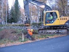 paimensaaren-valokaapelin-ensimmaiset-kaivuumetrit-16102013
