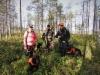 Virpi, Marko ja Jarkko metsäkokeessa
