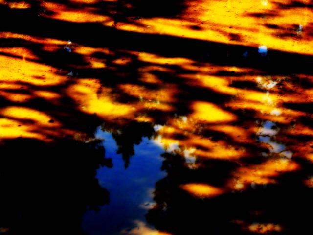 Pimeys saapuu/Arrival of darkness