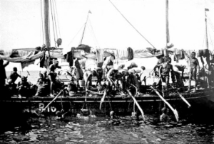 arab_pearl-divers_at_work_in_the_persian_gulf_resized2.jpg