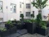 Vihreyttä sisäpihalla