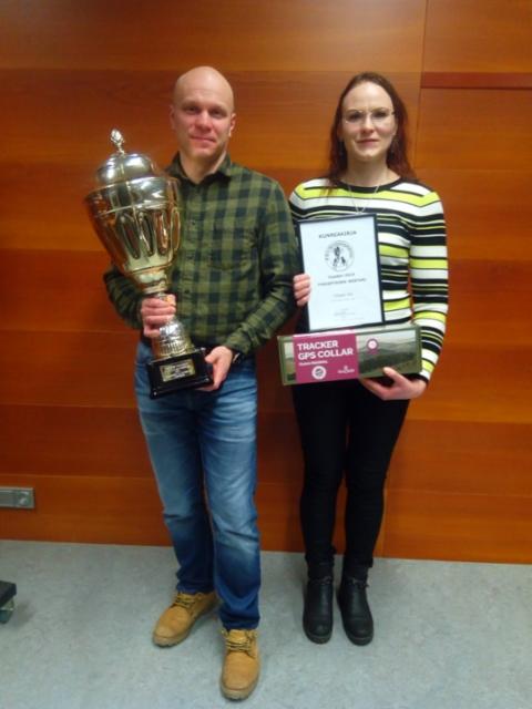 PKHY:n mestarin Yliksen Anin omistajat Mika & Tanja Pöyhönen
