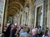 Tämä käytävä on kopio Vatikaanin museosta tai päinvastoin